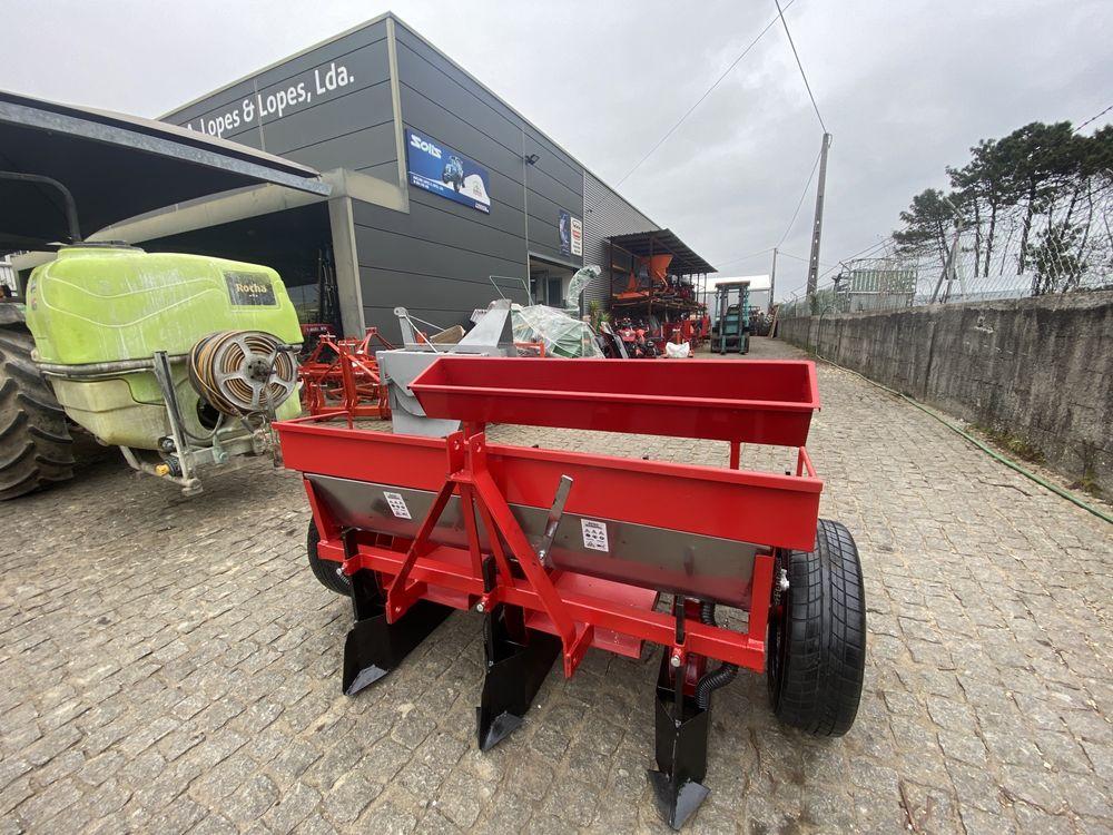 Semeador plantador de batatas 3 linhas com adubador INOX