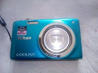 maquina de fotografia Nikon 16mps