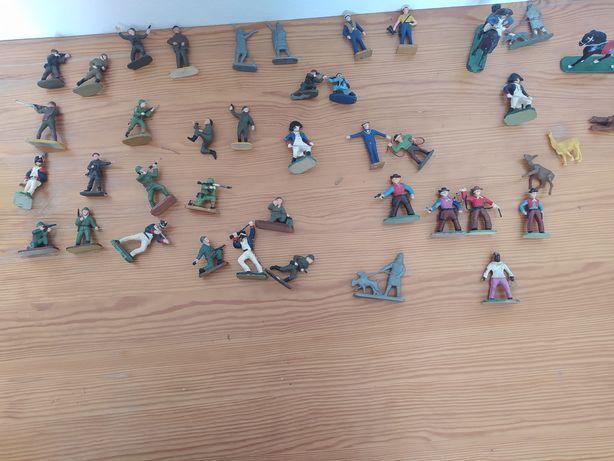 Kolekcja figurek prl