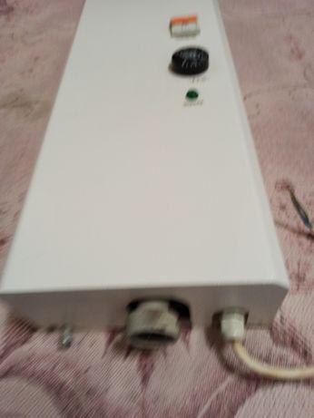 Продам электрический котел на площадь 100 квадратов .