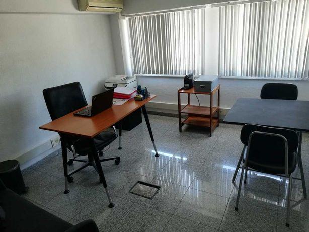 Cedência de espaços para escritórios junto ao Fórum Almada, IC20 e A2