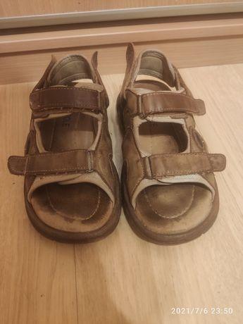Stabilne sandały