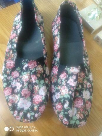 Buty baletki balerinki kwiatki roz.39