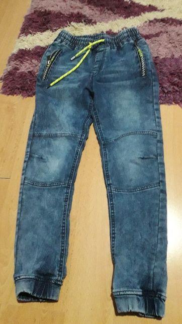spodnie dżinsowe jogery 122