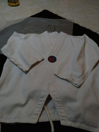 Taekwondo - fato veste 4-5 anos