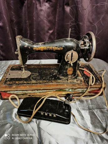 Машинка швейная Подолка