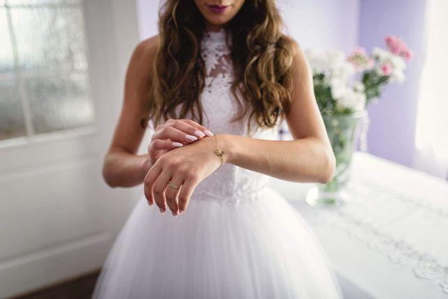 Suknia ślubna czysta biel