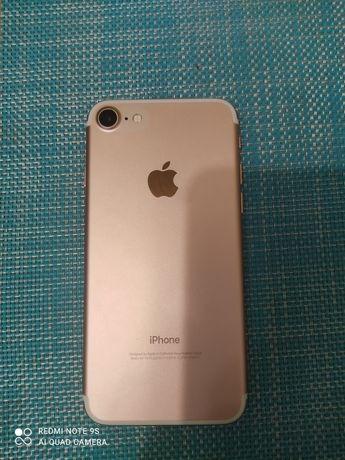 Продам идеальный IPhone 7 128