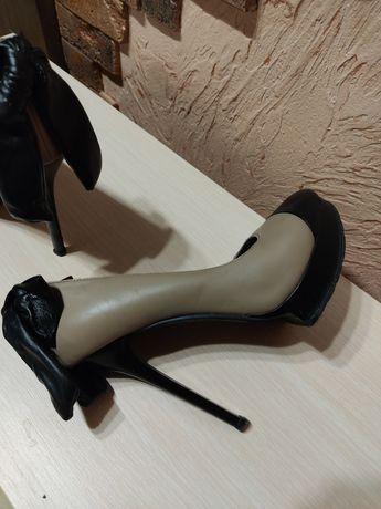 Туфли женские кожаные,цвет беж,черный бант