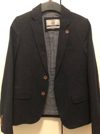 Продам очень красивый и стильный пиджак на мальчика от 7 до 9 лет