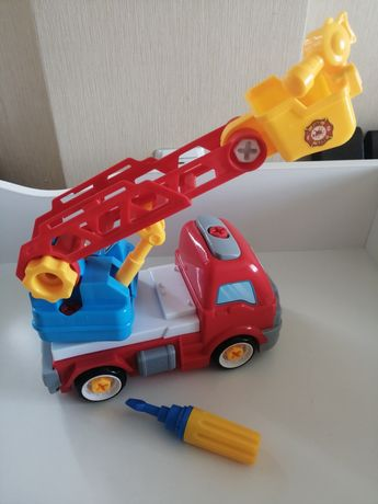 Детская  игрушечная  машинка с отвёрткой. Пожарная машина.