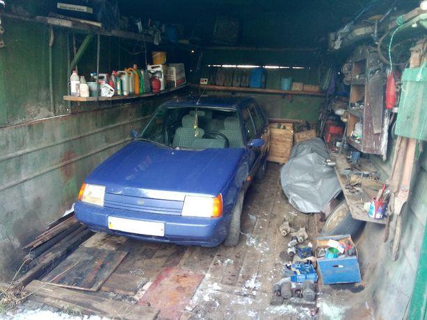Продам автомобіль славуту разом з металевий гараж