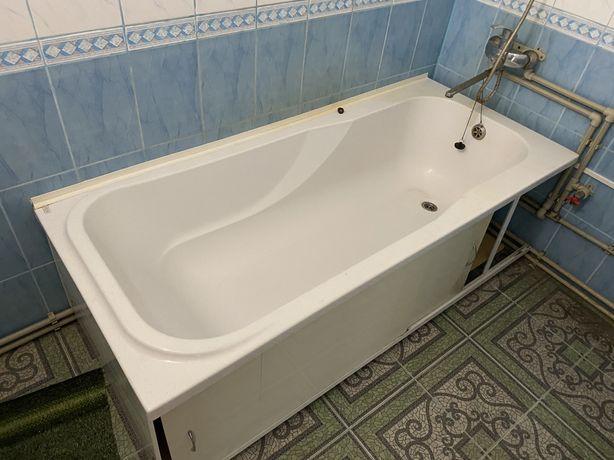 Продам акриловую ванну с подставкой !