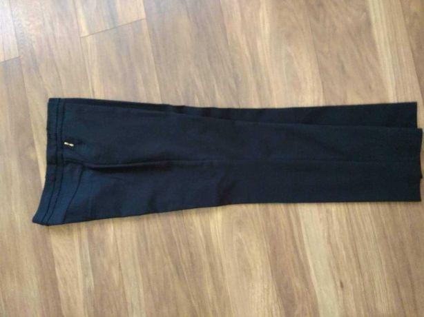 Sprzedam eleganckie spodnie rozm.42.
