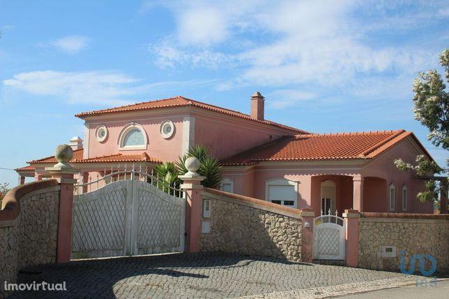 Moradia - 312 m² - T3
