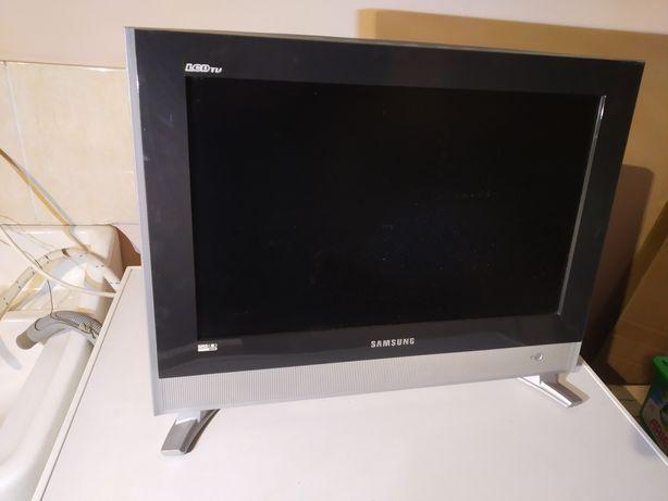 Продам lcd телевізор на запчастини