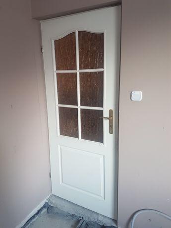 Sprzedamy drzwi białe