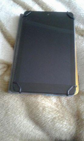 Продам планшет Dell (с чехлом)