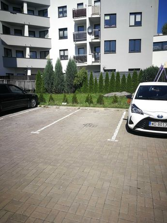 Miejsce parkingowe ul. Cynamonowa 3