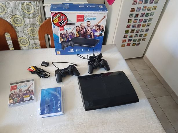 PlayStation 3 + 2 comamdos + 2 jogos