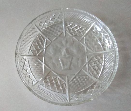 Kryształowy talerz patera