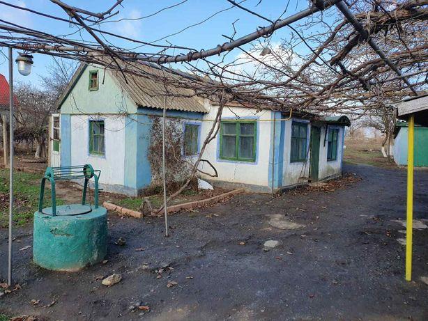 Продам дом в с. Визирка Лиманского р-на. Центр. 25 сот.