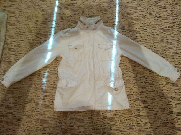 Джинсовая курточка.Белая
