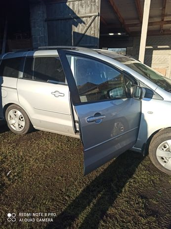 Samochód osobowy mazda 5