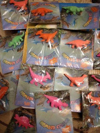 Динозаврики выростайки.
