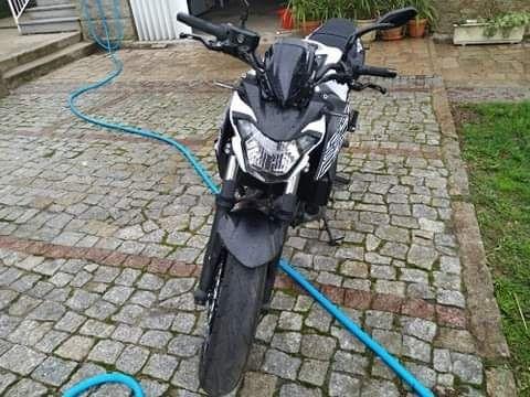 Kawasaki z 650 como nova