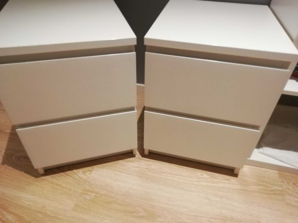 2 mesas de cabeceira - Ikea