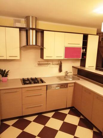 Kuchnia zabudowana ze sprzętem AGD