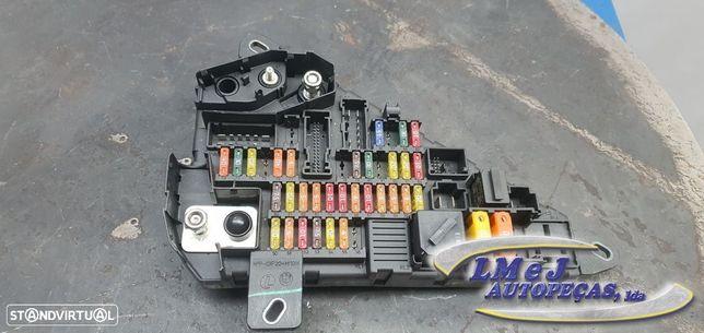 Caixa de fusíveis Usado BMW/6 (E63)/630 i | 02.04 - 07.07/630 i | 07.07 - 07.10...