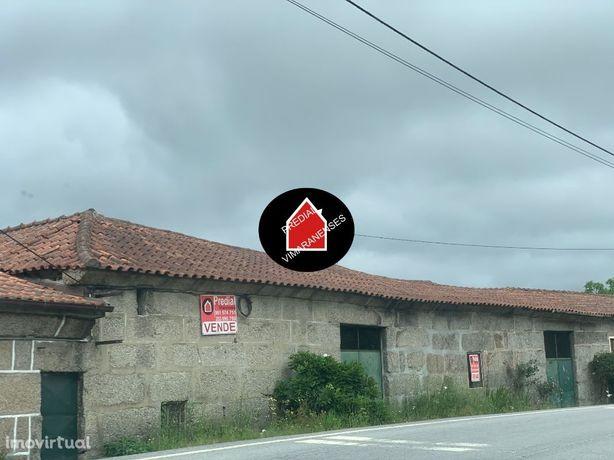 3 Casas + terrenos em Infantas