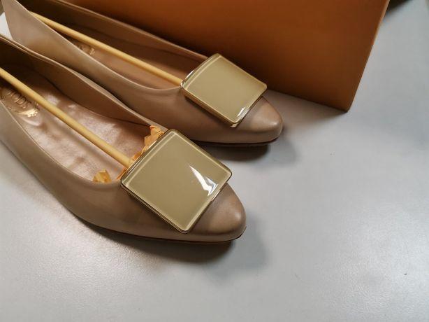 Роскошные бежевые туфли лодочки TOD'S 37 р. Цвет сезона.
