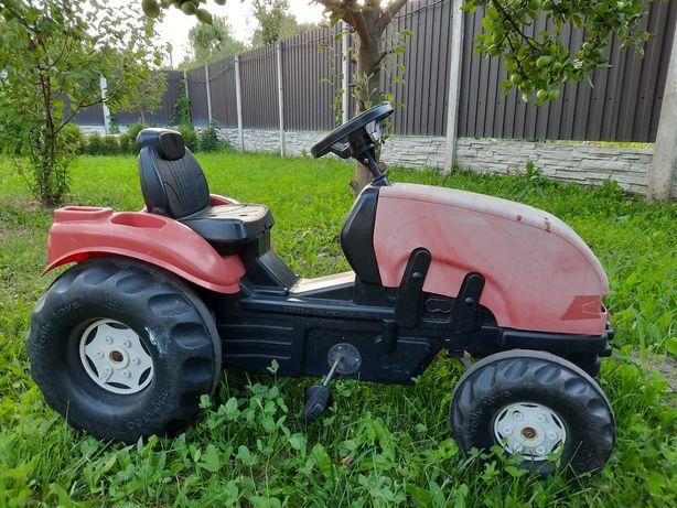 Детский трактор на педалях