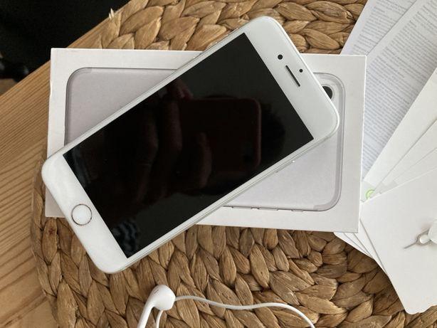 Iphone 7 32 GB bialy zestaw