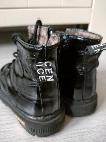 Lakierowane buty jesienno zimowe traperki