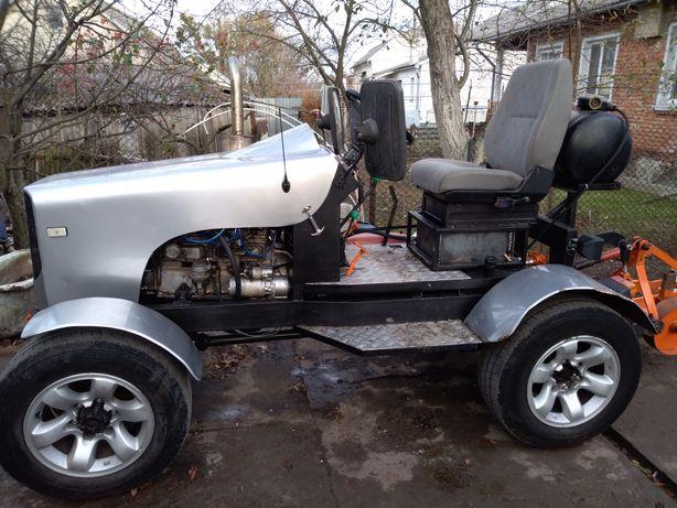 Саморобний трактор колісний. Плуг в подарунок.