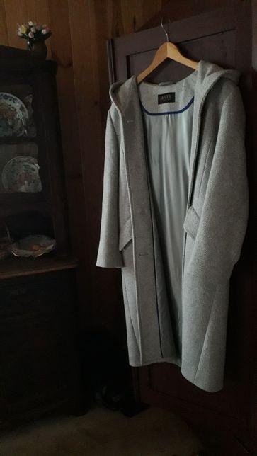 Kremowy płaszcz kurtka jak NOWY długi z kapturem i kieszeniami LEZER