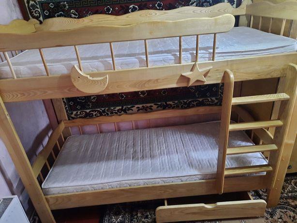 Продам дитяче двоярусне ліжко)