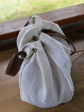 Worek biały z z brązowymi elementami