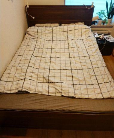 Łóżko dwuosobowe ze szczytem płaskim 2pir VOX (140x200 cm).