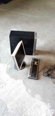 Computador desktop ASUS velho