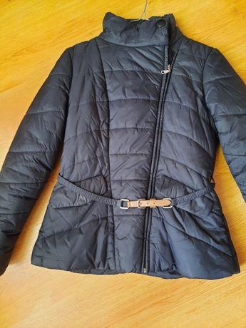 Продам куртку в отличном состоянии ..Кира Пластина