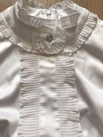 Женская блуза с жабо