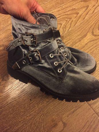Ботинки велюровые 23,5см