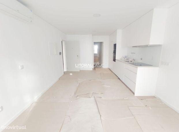 Apartamento T0 Novo localizado na beira-mar