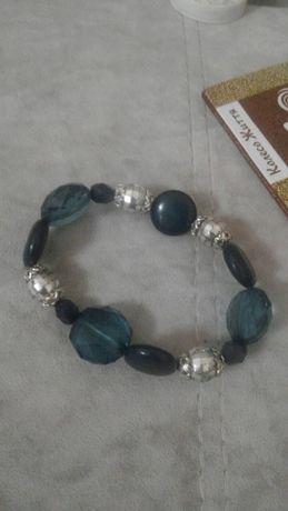 красивый синий браслет голубой браслетик