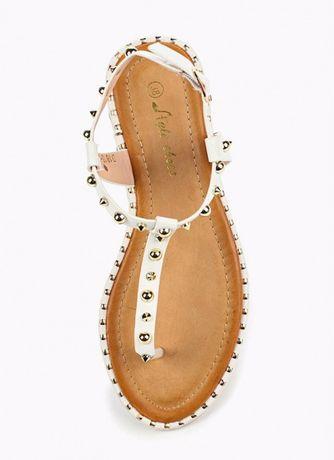 Белые сандалии боссоножки